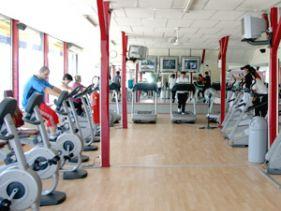 salle de sport isle clubs fitness s ance gratuite ici. Black Bedroom Furniture Sets. Home Design Ideas