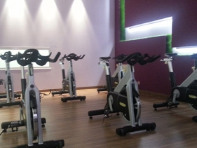 salle de sport tinqueux clubs fitness s ance gratuite ici. Black Bedroom Furniture Sets. Home Design Ideas