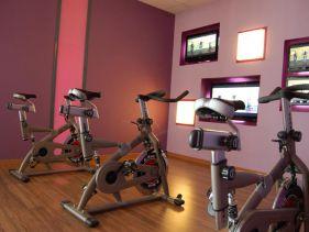 salle de sport st maur clubs fitness s ance gratuite ici. Black Bedroom Furniture Sets. Home Design Ideas